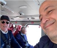 صور| عمرو أديب في جولة بـ«الهليكوبتر» بصحبة عمر خيرت