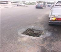 لقطة اليوم| بالوعة أمطار تبتلع المارة والسيارات في طريق صلاح سالم