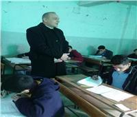 محافظ القاهرة ومدير التعليم  يتفقدان لجان الشهادة الإعدادية