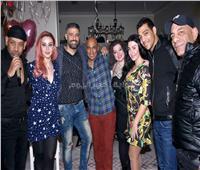 صور| توفيق والليثي وصوفينار وكاريكا في عيد ميلاد حسام خليل