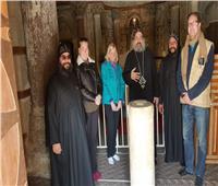 وفد مركز البحوث الأمريكي يزور الدير الأحمر بسوهاج