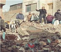 بالصور: انهيار أرضي بمنطقة «سوق اللبن» بالمحلة