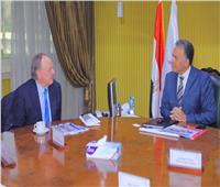 «عرفات» يبحث مع وفد «يورو جيت وهاباج لويد» التعاون في النقل البحري