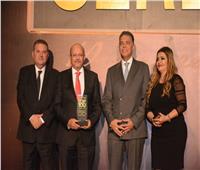 بنك قناة السويس يحصل على تكريم أفضل 100 شركة عاملة بالسوق المصري