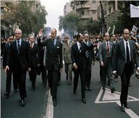 صور تؤرخ لصداقة مصر وفرنسا منذ عام 1975.. «الأقصر وأسوان» وجهة الرؤساء المفضلة