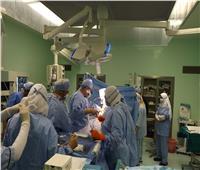 رئيس جامعة أسيوط يزور الفريق الطبي بمستشفى الراجحي الجامعي