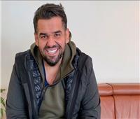 شاهد| حسين الجسمي في «توك توك» داخل شوارع مصر