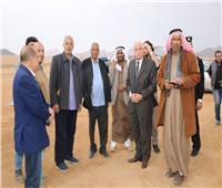 استعدادًا لافتتاحه.. «فودة» يتفقد مضمار الهجن بشرم الشيخ