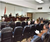 محافظ أسيوط يستعرض خطة هيئة محو الأمية لفتح فصول جديدة