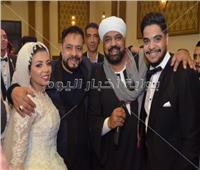 صور| نجوم الأغنية الشعبية يحتفلون بزفاف «محمد وهدير»