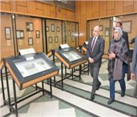 رئيس جامعة أسيوط يتفقد المتحف الوثائقي