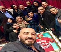 صور| «هنيدي» يحتفل بعيد ميلاده مع جمهور «3 أيام فى الساحل»