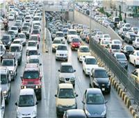 بالفيديو  المرور: كثافات على معظم الطرق والميادين الرئيسية بالقاهرةوالجيزة