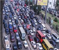 بالفيديو  كثافات مرورية عالية على كافة الطرق والمحاور الرئيسية بالقاهرة