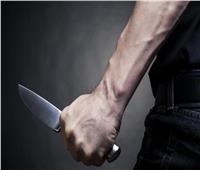 «وجده عاريا أسفل سريره».. عامل يطعن صديقه بسبب الخيانة الزوجية