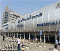 حاكم الشارقة يغادر القاهرة بعد لقاء السيسي