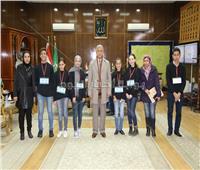 محافظ المنوفية يلتقي بمجموعة من الطلاب المشاركين في مبادرة «نحن قادة الغد»
