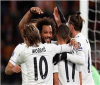 «بنزيما وفاسكيز وفينيسيوس» يقودون هجوم ريال مدريد بـ«كلاسيكو الأرض»
