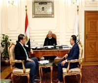 محافظ القاهرة وصناع الخير يبحثان إطلاق مبادرة «أولادنا في عنينا»