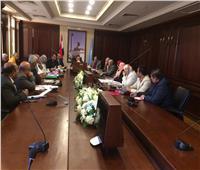 محافظ الإسكندرية: غرامات فورية للمحال التجارية المخالفة لأعمال النظافة