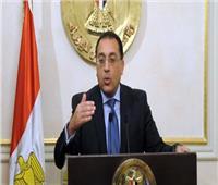 رئيس الوزراء يلتقي «نواب أسوان» عقب تفقده عددًا من المشروعات