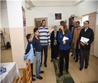 وزيرة التضامن تفاجئ مكتبي تأمينات بالإسكندرية.. وتبدي ملاحظات
