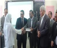 تسليم 832 «تابلت» على طلاب الصف الأول الثانوي بجنوب سيناء