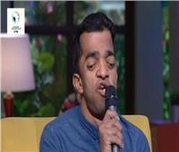فيديو| مُنشد «الاحتياجات الخاصة» يتحدى الإعاقة ويُحقق حلمُه