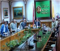 عبد النبي يتفقد أراضي مركز النباتات الطبية والعطرية بجامعة المنيا