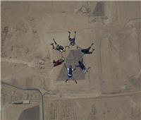 تأجيل مهرجان القفز الحر فوق الأهرامات ليوم بسبب سوء الطقس
