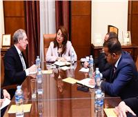 غادة والى تستقبل نائب رئيس مجلس إدارة ماستر كارد العالمية