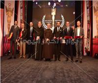 صور| تكريم مجدي كامل ومصطفى شعبان بختام المهرجان الكاثوليكي