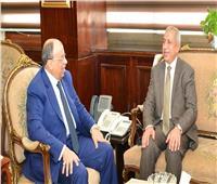 التنمية المحلية والأكاديمية العربية يناقشون مجالات التعاون المشترك