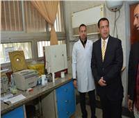 نائب رئيس جامعة أسيوط يتفقد مستشفى «الطلبة»
