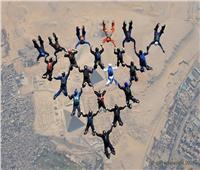 صور وفيديو| قفزة الفراعنة إلى جوار الأهرامات.. حلم يتحقق