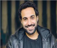أحمد فهمي يصور «كازابلانكا» أثناء توقف «الواد سيد الشحات»