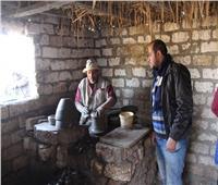 فيديو| بطمي النيل و«أيادي تتلف في حرير».. مهارة عم «محمد» في صناعة الفخار