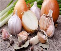 الثوم والبصل يقللان خطر سرطان القولون