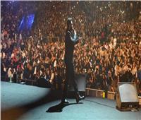 صور| تامر حسني يصف حفله الثاني في السعودية بـ«الأسطوري»