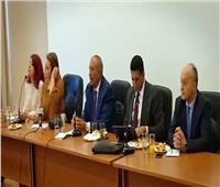 محافظ البحر الأحمر يبحث سُبل زيادة السائحين مع شركات السياحة