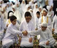 ما حكم المصافحة بين المصلين بعد الصلاة مباشرة.. «الإفتاء» ترد