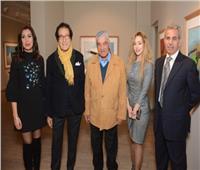 صور| فاروق حسني يفتتح معرضه الفني بجاليري «بيكاسو»