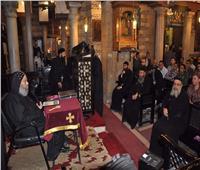 الأنبا رافائيل يلتقي بكهنة وشباب وسط القاهرة بكنيسة العذراء بحارة زويلة