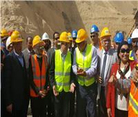 صور| وزير البترول يتفقد مشروع فوسفات أبو طرطور