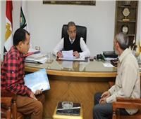 محافظ سوهاج يحل مشاكل 366 مواطنًا داخل مكتبه خلال 10 أيام