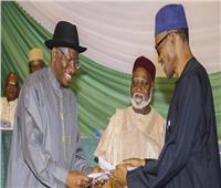 انتخابات نيجيريا| الرئيس بخاري «الأقرب للفوز» وفقًا للنتائج الأولية