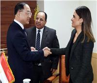 وزيرا الاستثمار والمالية يبحثان التعاون الاقتصادي مع نائب رئيس الوزراء الكوري