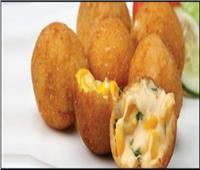 طبق اليوم.. «كفتة البطاطس بالذرة المسلوقة والزيتون المخلل والموتزاريلا»