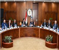 وزير البترول يبحث مع رومانيا دور شركاتها البترولية في مصر