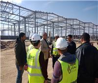 صور| محافظ البحر الأحمر يتابع إنشاء مدينة صناعية تضم المصانع المتوسطة والصغيرة